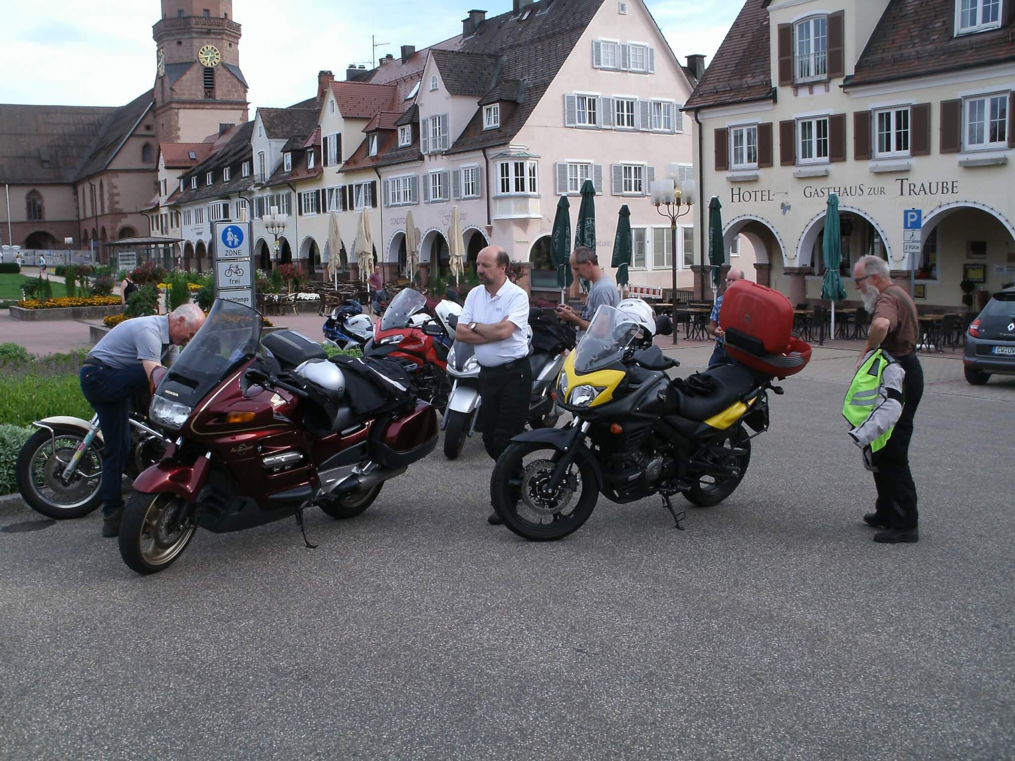 Motorradausfahrt – reine Männersache